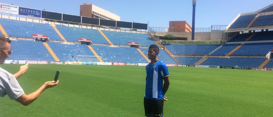 Alvarado no juega en el debut de Colombia